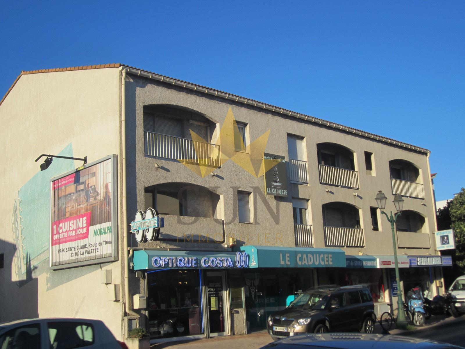 Location garage a louer dans r sidence s curisee au pradet for Garage limoges centre ville
