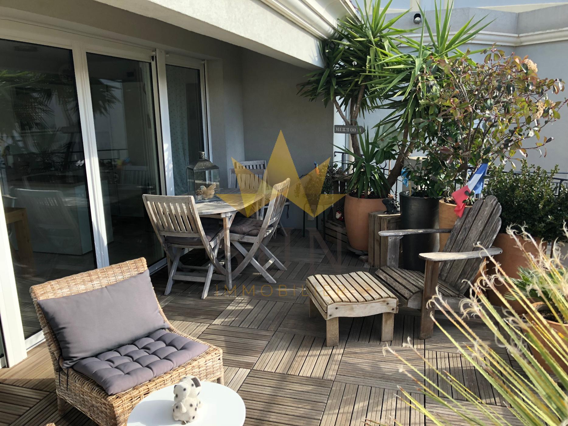 vente petit bois cap brun 78m grande terrasse. Black Bedroom Furniture Sets. Home Design Ideas